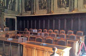 Viterbo - La maggioranza diserta il consiglio comunale - Il banchi vuoti