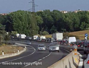 Montalto di Castro - Traffico in tilt sull'Aurelia