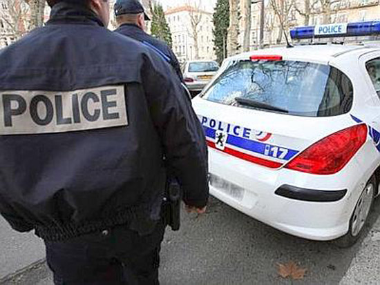 Francia: assalitore moschea ha 84 anni