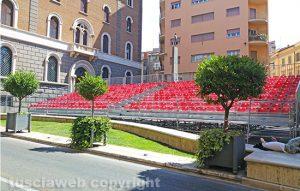 Viterbo - Santa Rosa - La tribuna a piazza della Repubblica