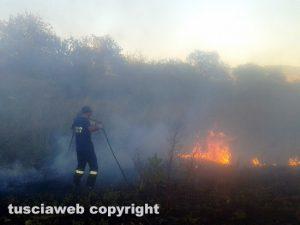 Volontari della protezione civile in azione