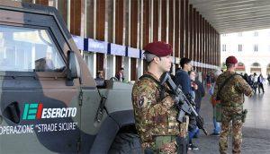 Terrorismo - L'esercito presidia la stazione Termini a Roma