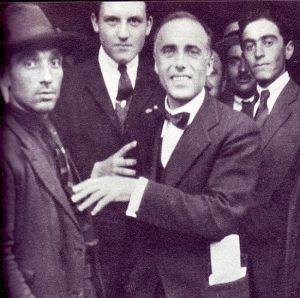Al centro: Giacomo Matteotti