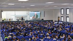 Un'assemblea dei testimoni di Geova