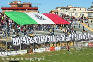 Sport - Calcio - Viterbese - La coreografia della curva Nord