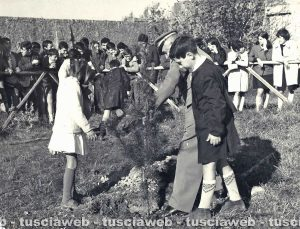 Come eravamo - La guardia forestale Piferi a Tarquinia - Festa degli alberi