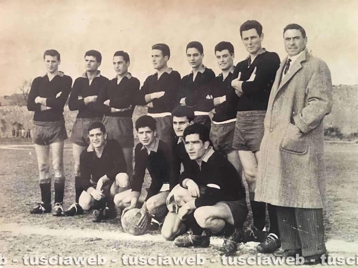 La squadra del tarquinia calcio campionato 1959 1960 for Siti di collezionismo