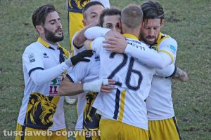 Sport - Calcio - Viterbese - L'esultanza di Celiento