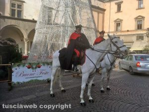 Viterbo - Carabinieri a cavallo per i controlli