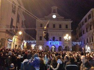 Civita Castellana - La Befana scende al palazzo comunale