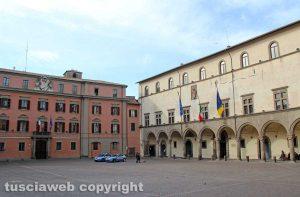 Viterbo - Piazza del Plebiscito - Prefettura e comune