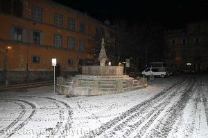 Viterbo sotto la neve - Piazza San Faustino