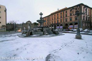 Viterbo - La neve di mattina - Piazza della Rocca