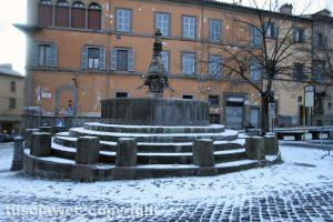 Viterbo - La neve di mattina - Piazza San Faustino