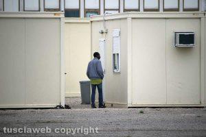 Viterbo - Profughi al campo dell'ex fiera