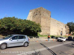 Viterbo - Torre pericolante a viale R. Capocci