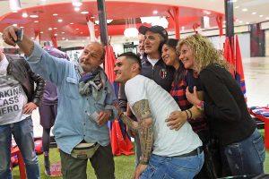 Sport - Calcio - Federico Viviani al Temporary store del Bologna
