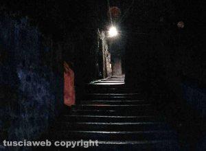 Capranica - Lampioni spenti e via delle Selci al buio