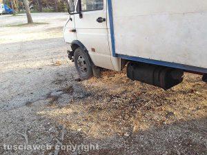 Viterbo - Tentato furto di gasolio a un autocarro in sosta