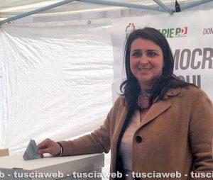 Luisa Ciambella vota per le primarie del Pd