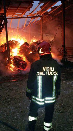 Incendio in un'azienda agricola