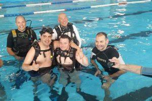 Sport - Immersioni in piscina per i ragazzi di Sorrisi che nuotano e ViterSport