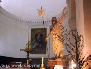 Canepina - L'altare della chiesa collegiata