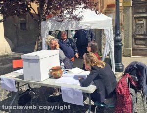 Viterbo - Primarie Pd - Il seggio a San Martino al Cimino nel 2017