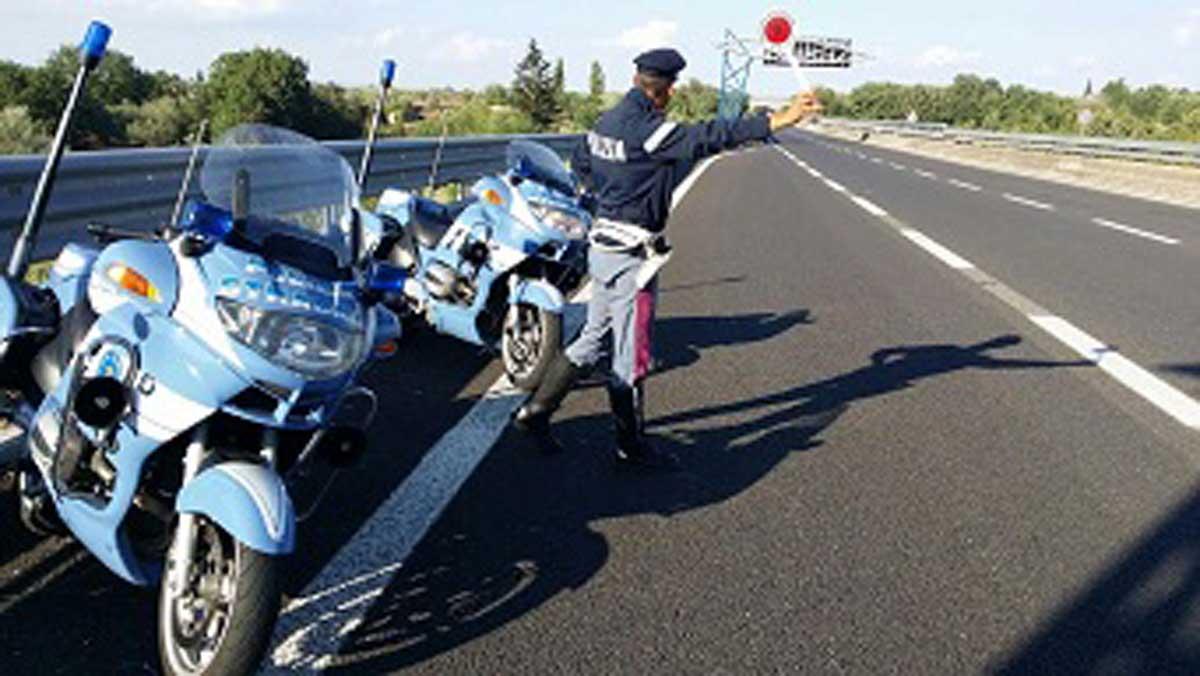 Pasqua sicura sulle strade con la Polizia stradale di Viterbo