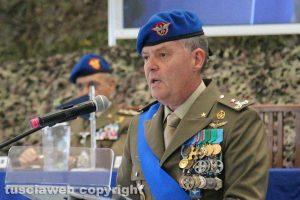 Viterbo - Il comandante dell'aviazione dell'esercito Paolo Riccò