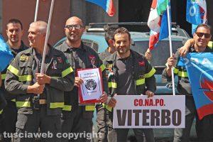 Viterbo - La protesta del sindacato Conapo in piazza del Comune