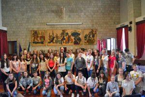 Tarquinia - Il sindaco Mazzola con gli studenti