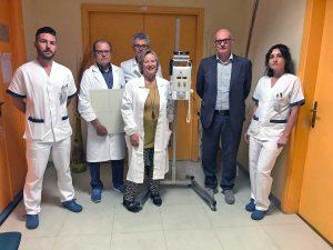 Tarquinia - Il sindaco Mazzola con medici e infermieri