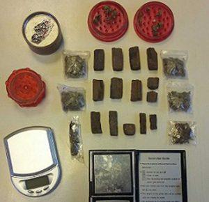 Squadra mobile - La droga sequestrata a Pratogiardino