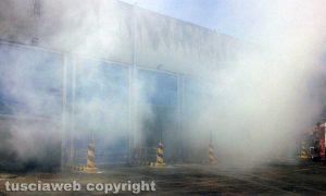 Viterbo - Incendio all'impianto per lo smaltimento dei rifiuti di Casale Bussi