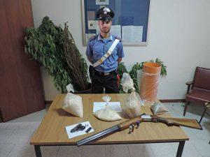 Civita castellana - Carabinieri - La droga e il tritolo sequestrato