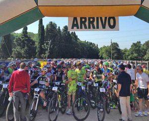 I ciclisti della Granfondo Selva della Roccaccia