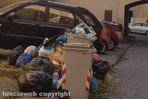 Viterbo - Degrado e sporcizia in zona Trinità