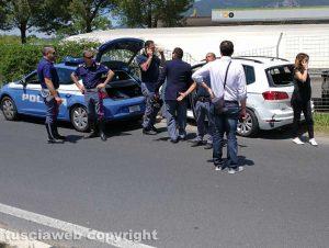 Viterbo - Polizia - Rocambolesco inseguimento sulla E45
