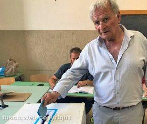 Castel Sant'Elia - Il sindaco Rodolfo Mazzolini al voto
