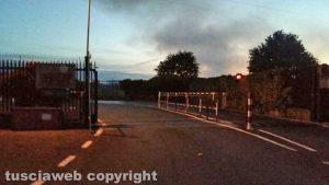 Viterbo - L'impianto di smaltimento rifiuti di Casale Bussi in fiamme