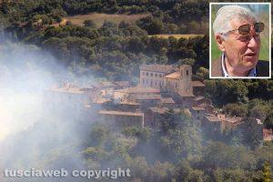 Viterbo - Vastissimo incendio a Sant'Angelo di Roccalvecce - L'intervento dei vigili del fuoco - Nel riquadro il sindaco Michelini