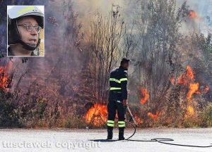 Vigili del fuoco di Viterbo domano un incendio - Nel riquadro: Il comandante provinciale Giuseppe Paduano