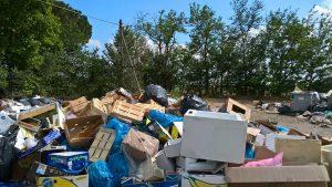 Viterbo - Cumulo di rifiuti vicino Ferento