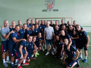 Athletic Bilbao con al centro Yeray Alvarez
