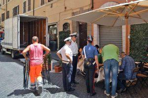 Roma - Gli interventi di polizia locale e carabinieri