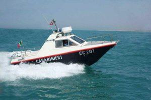 In azione la motovedetta dei carabinieri