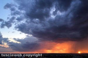 Viterbo - Il tramonto dopo l'acquazzone