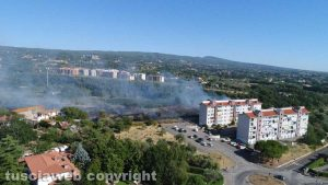 Viterbo - Incendio in zona Carmine