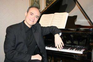 Il pianista viterbese Fabrizio Viti
